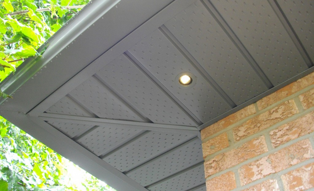 Soffit and Eavestroughing